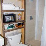 Las Amapolas Room 1a Bathroom